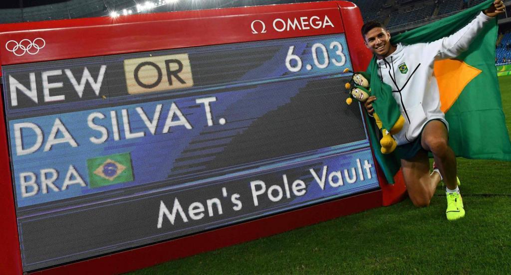 É ouro e recorde: Thiago Braz brilha na Rio 2016