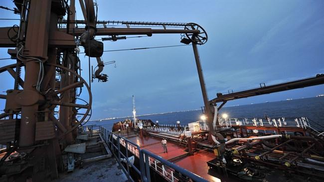 Empresa suíça transporta petróleo iraniano para consumidores europeus