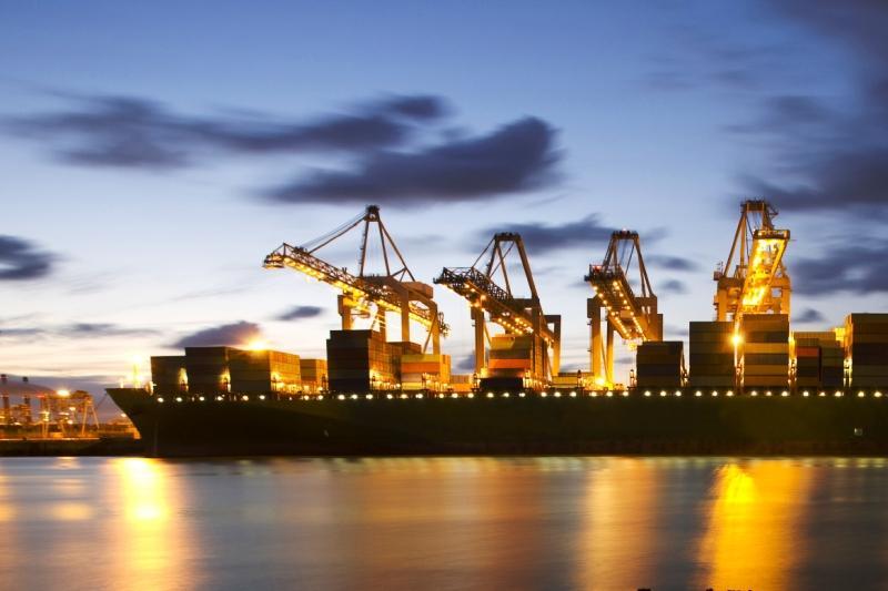 Saldo do comércio exterior iraniano em 8 meses atinge US $ 2 bilhões
