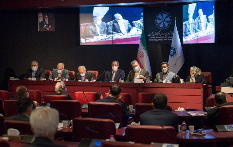 De acordo com a Câmara de Comércio, Indústrias, Minas e Agricultura de Teerã, a economia iraniana cresce mais de 2% neste ano