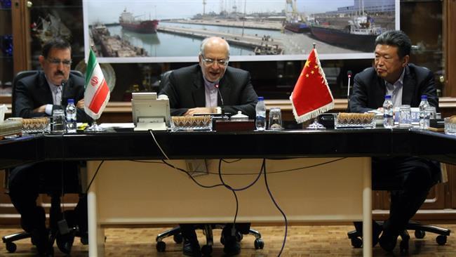 Irã, China assinam acordo de desenvolvimento indústrias marítimas.