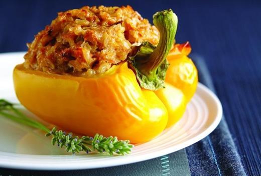 Dolmeh Felfel (Bell pepper Dolma)