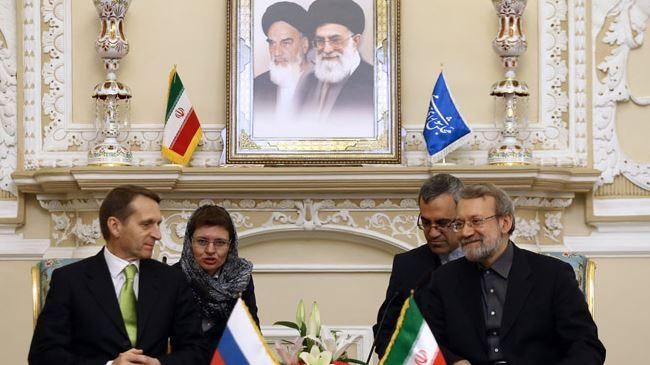 Irã-P5 + 1 negociações nucleares progredindo: Larijani