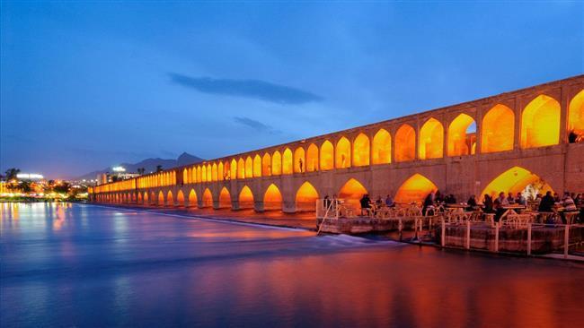 Irã pede isenção de vistos com 28 países.
