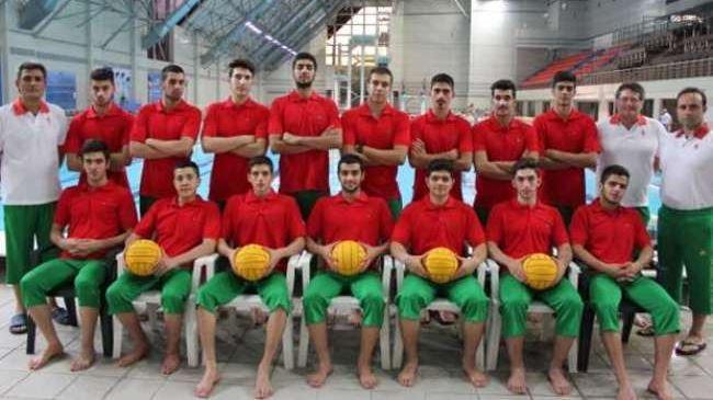 Iraniana júnior equipe de pólo aquático derrota Uzbequistão