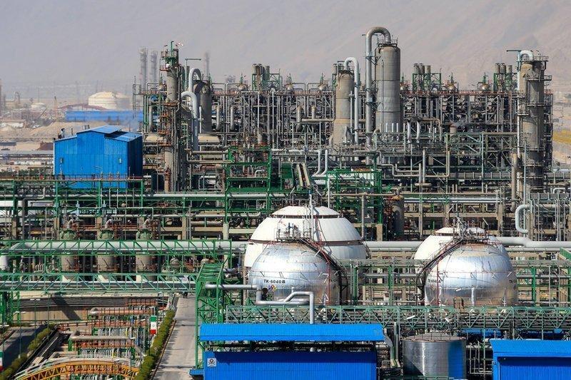 Produção petroquímica atinge 42 milhões de toneladas em 10 meses