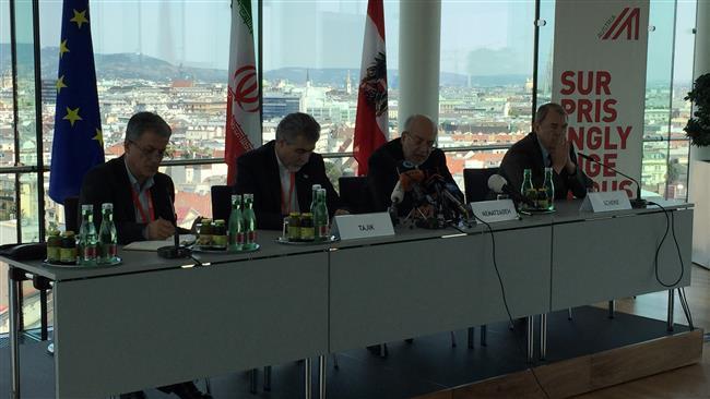 Teerã interessada em remover obstáculos no caminho do comércio exterior: ministro da Indústria Irã
