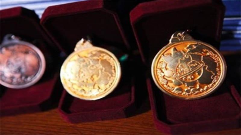 A delegação estudantil iraniana ganhou seis medalhas na Olimpíada Internacional de Matemática no Brasil