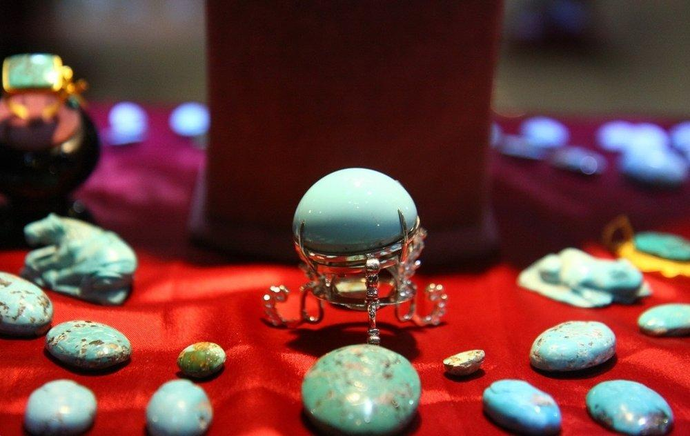 10 ª Exposição Internacional de jóias, pedras preciosas foi aberta em Isfahan