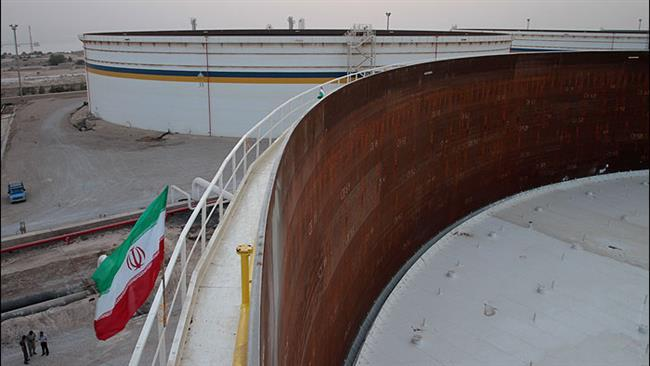 Capacidade de armazenamento de petróleo, o Irã aumenta com enormes tanques novos