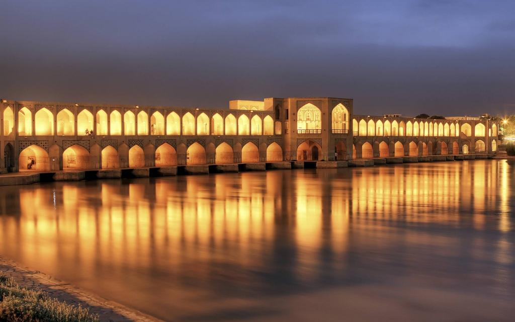 Come with us to Iran - 14 - province of Isfahan - city of Isfahan - industrial and tourist
