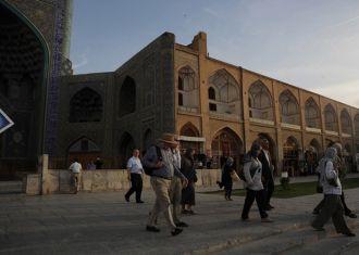 Visitas turísticas para o Irã subir, impulsionado por viajantes europeus