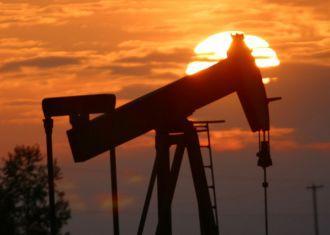 Petróleo bruto iraniano vendido a 74,65 dólares em novembro: NIOC