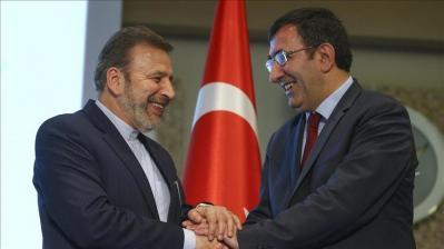 Teerã e Ankara assinaram Memorando de Entendimento para cooperação bancária e comércial