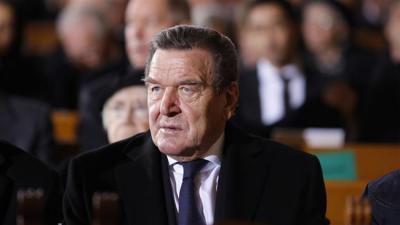 Delegação comercial alemã encabeçada por Gerhard Schroeder dirigiu-se para o Irã