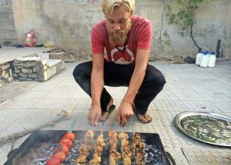 Deixe-os iranianos levá-lo através do seu país incrível