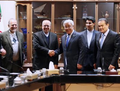 Irã apoia a facilitação  da cooperação econômica com o Cazaquistão