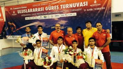 Young Iranian wrestlers collect 11 medals in Turkey tournament