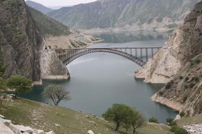 A mais longa ponte do arco do Irã abre