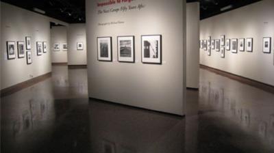 Iranian artista criança brilha no finlandês art expo