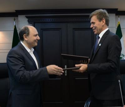 A Empresa de transporte maritimo da República Islâmica do Irã e a empresa de gestão de risco Noroeguesa assinaram um Memorando de entendimento