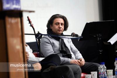 Irã homenageia o poeta Afshin Yadollahi na Feira do Livro de Paris