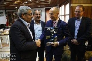 Finlândia interessada em desenvolver laços com as empresas do estado de Azerbaijão Ocidental do irã