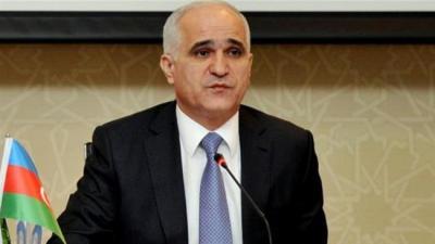 Delegação Económica Azerbaijão para discutir negócios em Teerã.