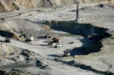 Irã estuda investimentos em reservas de titânio gigantes