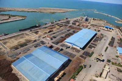 Irã e Cazaquistão planejam construir refinaria de petróleo