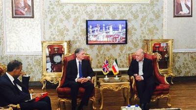 O ministro do petróleo do Irã discute laços energéticos com O Secretario da Relações Exteriores do Reino Unido