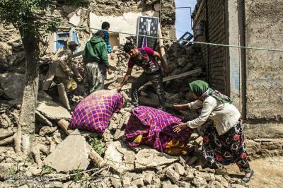 Magnitude 5.7 quake leaves 2 dead, 400 injured
