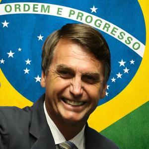 Bolsonaro desembarca em Brasília para novas reuniões no gabinete de transição