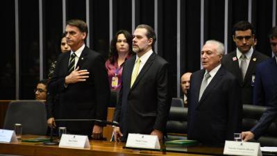 Bolsonaro chega a Brasília para se encontrar com Temer e com chefes dos outros Poderes