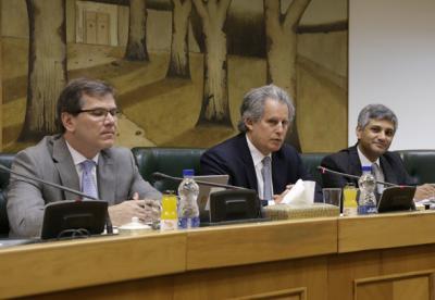FMI elogia desempenho econômico do Irã