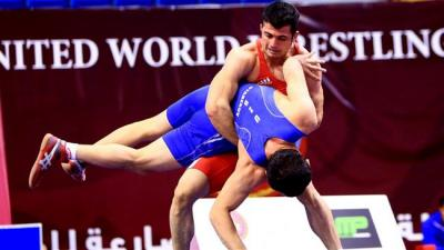 Irã lutadores greco-romanas ganhar o campeonato no torneio asiático