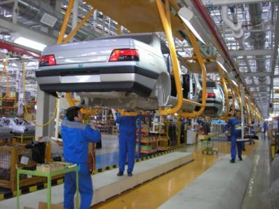 A produção de automóveis iraniano sobe 41% em um mês