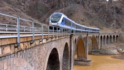Empresa privada britânica pronto para investir no projecto ferroviário Irão: Legislador