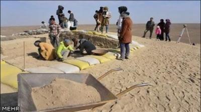 Tijolo antiga desenterrada de Talebkhan Colina