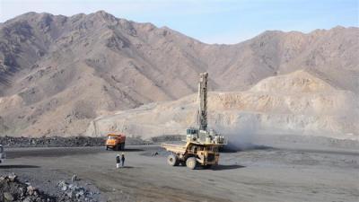 Plano de aço maciço para transformar o Irã a leste