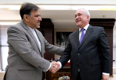 Irã e TRACECA exploram expansão da cooperação em transportes