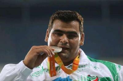 Atleta iraniano ganha prata em arremesso de peso nos Jogos Paralímpicos
